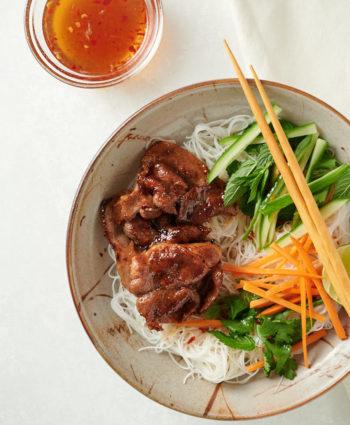 vietnamese noodle salad bowl