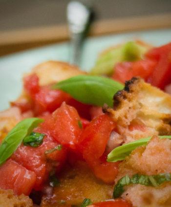 panzanella – tuscan tomato bread salad