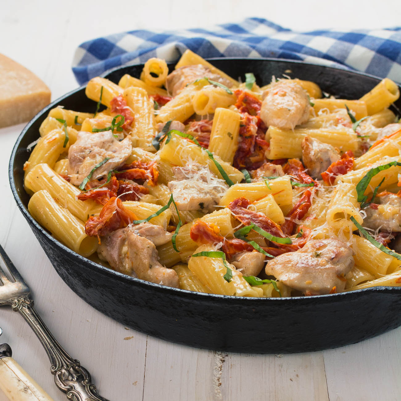 Penne with sun-dried tomato cream sauce in 30 minutes.