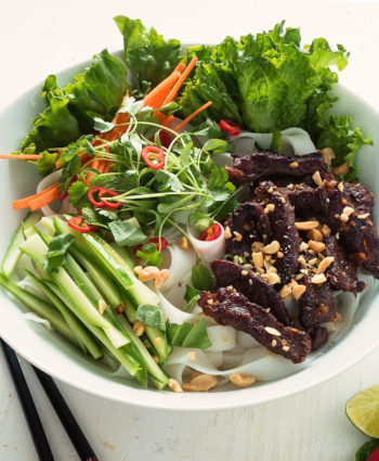 bun bo xao – vietnamese beef noodle salad