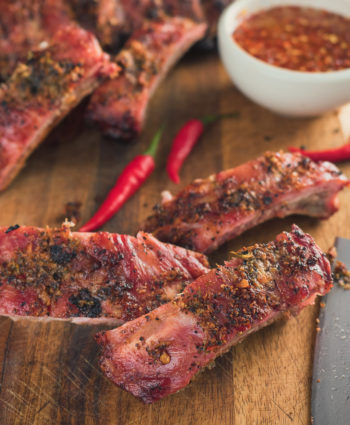 thai ribs with hot and sweet dipping sauce