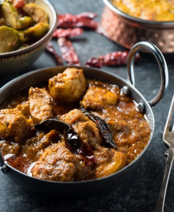 chicken vindaloo – restaurant style