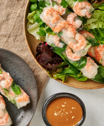 vietnamese spring rolls with peanut sauce