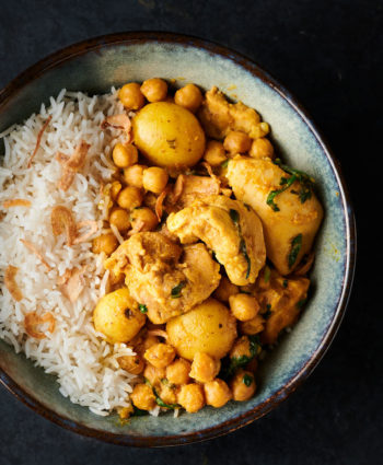 chicken and chickpea curry – easy restaurant style