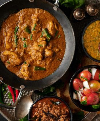 hariyali chicken curry – indian hotel style